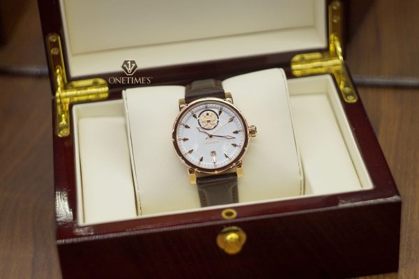 Đồng hồ Nga Poljot President Carving White