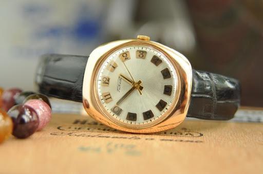 Đồng hồ raketa