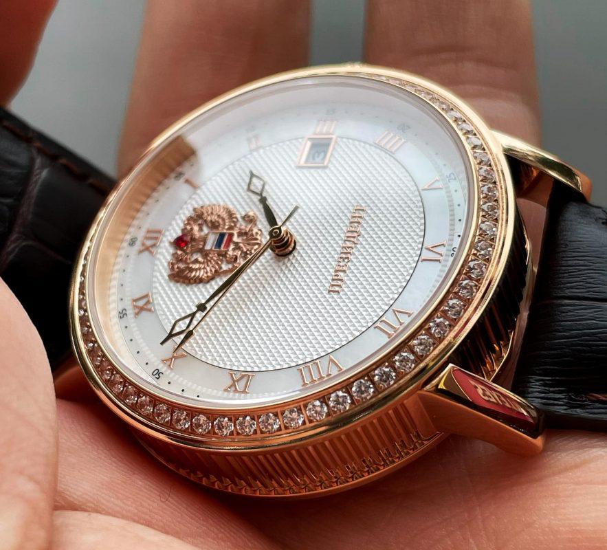 đồng hồ nga quà tết